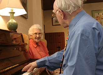 Article on Aging and Playing The Piano